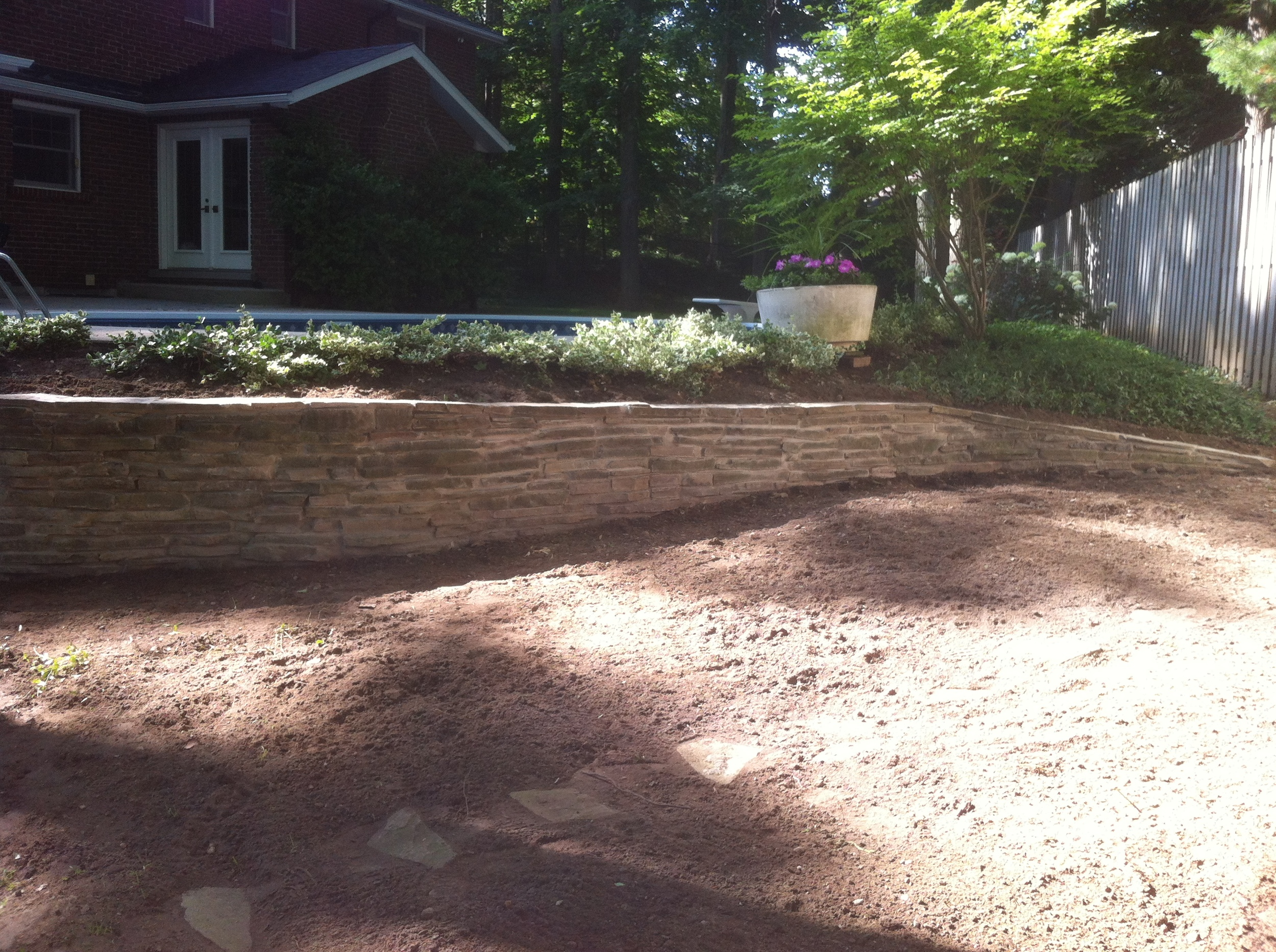 Retaining Wall Build And Maintenance In Kitchener-Waterloo