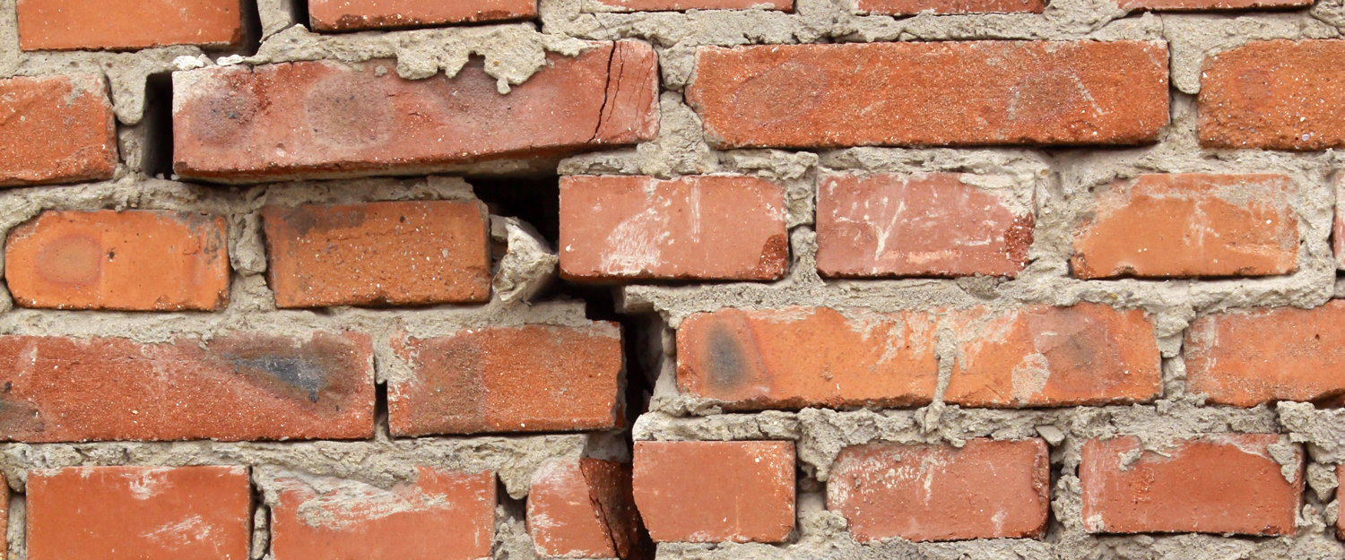 Large crack in brick wall - Source: buildera.com